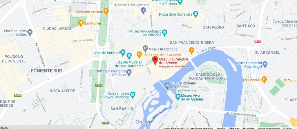 ¿Dónde se sitúa la mezquita de Córdoba